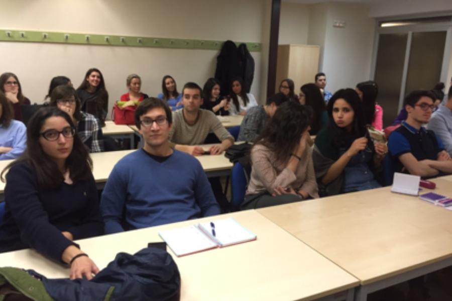 """Colaboración con el """"Máster de Ciencia Estomatológicas"""" de la Universidad de Murcia."""
