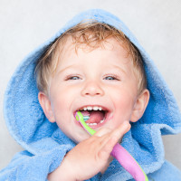 ¿Son iguales los hábitos de higiene dental para los niños?